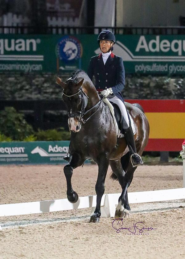 Charlotte Jorst and Kastel's Nintendo in their winning ride. ©SusanStickle.com