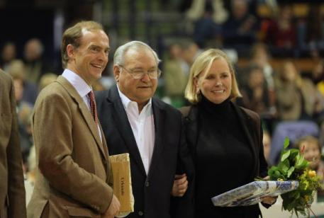 Prince Donatus von Hessen, Doug Leatherdale, and Louise Leatherdale at the Trakehner Verband prize-giving ceremony honoring Herzensdieb. (Photo: Stefan Lafrentz)