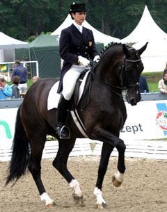 Catherine Haddad and Cadillac 35 at the Marianske Lazne (CZE) CDI-W in 2007 winning the Intermediaire II (68%) (Photo credit: Wiegaarden/T.B. Jensen)