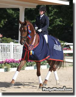 Alyssa Pitts riding Melissa Mulchahey's Westphalen Furst Fiorano by Furst Piccolo