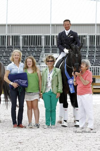Tuny Page, Charlotte Page, Janet Foy (USA), Marcus and Chrevi's Capital, and Jeanette Kretchik (Photo: SusanJStickle)