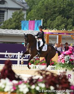 Charlotte Dujardin and Valegro in the kur to music at the 2012 Olympic Games (Photo © Astrid Appels)