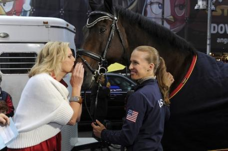Rebecca Hart, Lord Ludger, and Ann Romney (Photo: (C)ABC/Ida Mae Astute)
