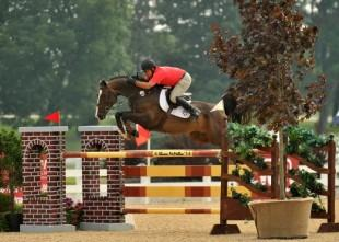 Aaron Vale and Quidam's Good Luck. Photo By: Shawn McMillen Photography