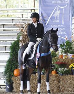 Andrea Manos and Alexis Acres Wrightly So will compete at the US National Dressage Finals in Lexington, KY (Photo: Laura King)