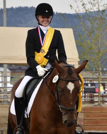 Bronze Medalist Asia Ondaatje Rupert used HorseShow.com to help her prepare for a Bronze Medal-winning ride at the USEF Dressage Seat Medal Finals (Photo: yourhorses.ifp3.com/Kathleen Bryan)