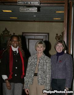 Janise Gray, The First Lady of Kentucky, Jane Beshear, and Sherly Kursar  beshear-0BCM8169