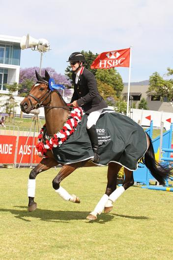 Craig Barrett (AUS) and Sandhills Brillaire, winners of the Australian International 3-Day Event in Adelaide in November 2012 (Jenny Barnes/FEI).