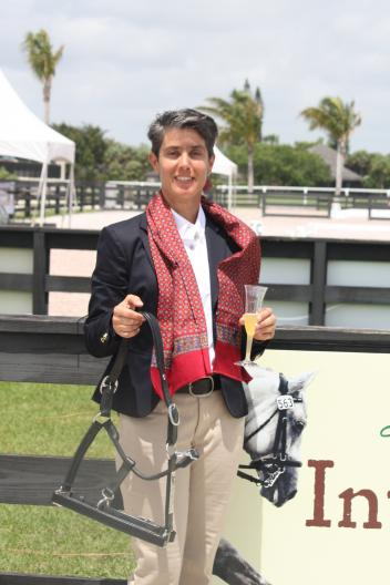 Carmen Franco and Vinho dos Pinhais were presented with the Interagro High Score Lusitano award for their performance on Team Colombia at the 2013 Nations Cup CDI 3*.