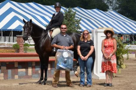 Caroline Weeden and Cucinelli took the blue in the ,000 National Hunter Derby.