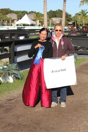 The winner of the ShowChic turnout award for the para jog, Deborah Stanitski (left) and Michele Hundt.