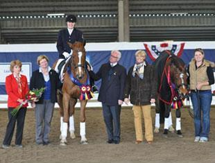 Winner Grade IV Eleanore Elstone aboard Donatello with Judges Photo: ©2011 Lindsay Y McCall for the USPEA