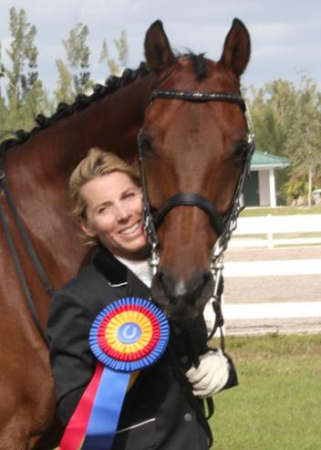 Kari Garber shows off the smile that helped her win the Premier Sportsmanship Award at the Gold Coast Fall Fling. Premier Equestrian, LLC, a leading supplier of dressage arenas, jumps, and stable accessories, sponsors the Premier Sportsmanship Award and the winner receives a 0 gift certificate from Premier.