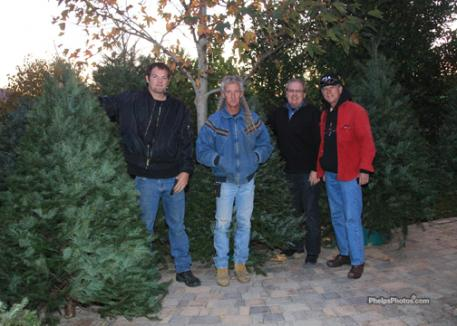 Keith, JJ and the boys at the Kingsway Winery selling Christmas Trees for charity.