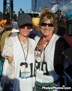 Holly Jacobson and DressageDaily's Mary Phelps enjoy the Lyle Lovett Concert at closing ceremonies of the Alltech/FEI World Equestrian Games