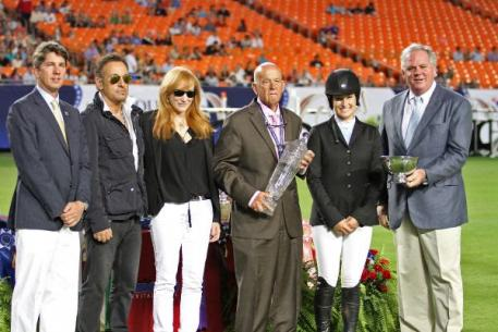 Maxine Beard Award presentation including Phillip Richter, Bruce Springsteen, Patti Scialfa, Ronnie Beard, Jessica Springsteen, and S. Tucker S. Johnson.