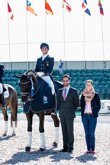 Juan Matute, Jr. and Don Diego Ymas with judge Hans-Christian Matthiesen (DEN) and Cora Causemann of Equestrian Sport Productions  Photo: SusanJStickle