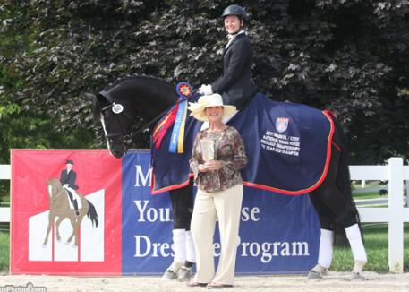 Markel's Mary Phelps congratulates Emily Wagner and Wakeup winning the 2011 6-Year-Old Markel/USEF National Young Horse Championships