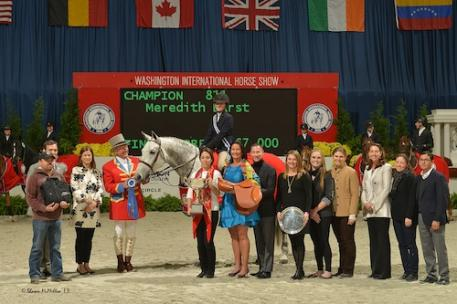 Meredith Darst and Soldier in their winning presentation. Photo © Shawn McMillen Photography.