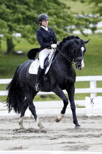 Mary-Haskins Gurganus and Richmond in their winning Intermediare-I class a the Allentown Memorial Weekend CDI. (Photo: courtesy of SusanJStickle.com)