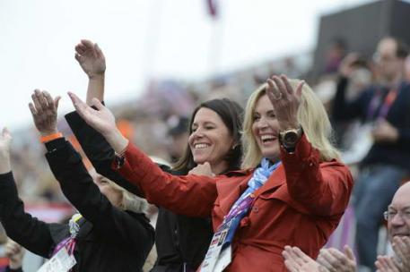 Ann Romney and Amy Ebeling cheer for the USA and Raflaca (Photo: Diana DeRosa)
