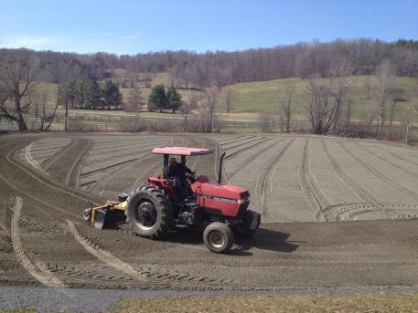Tractor driver is Randy Perry (Photo: Karey Waters)