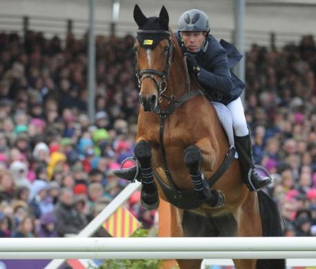 Australia's Sam Griffiths and the Irish-bred Paulank Brockagh on their way to victory in the Mitsubishi Motors Badminton Horse Trials, fourth leg of the FEI Classics™. (Kit Houghton/FEI)