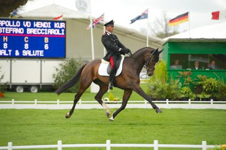 Italian rider Stefano Brecciaroli swept into a commanding lead with Apollo VD Wendi Kurt Hoeve on a score of 36.8.