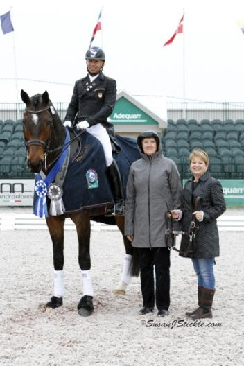 Steffen Peters and Legolas 92 with judge Lilo Fore and Terri Kane of Diamante Farms. Photo © SusanJStickle.com