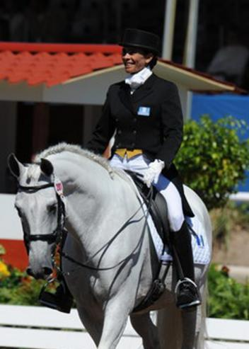 Silvia Regina Roesch Galvez ended her ride with the nicest smile of everyone. As if to support her enthusiasm, her mount Caracol XXIV added his own smile and a whinny to show his happiness.(photo: Diana de Rosa)