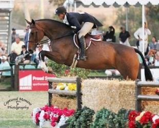 Tara Metzner and Davlyn Farms' Come Monday. Photo courtesy of CapturedMomentPhoto.com