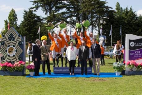 Pictured (L to R front row) Remi Clero, President of the Organising Committee; Yves Petaireau, Mayor of La Baule: Carmen Barrera, FEI Bureau Member; HE Dr Mohammed Ismail al Sheikh, Saudi Arabian Ambassador to France; and Jacques Robert, Vice-President of French NF.  Back row, Dutch team members Leon Thijssen, Frank Schuttert, chef d'equipe Rob Ehrens, Hendrik Jan Schuttert and Albert Voorn.  Photo: FEI/Dirk Caremans.