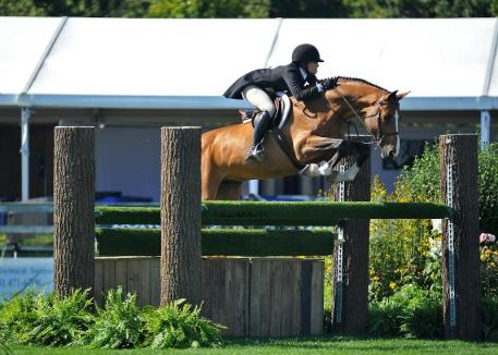 Victoria Press and Mayfair won the 50,000 Hampton Classic Hunter Derby on the opening day of the show. (Shawn McMillen photo)