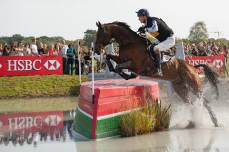 William Fox-Pitt (GBR), who holds the top three places at Les Etoiles de Pau (FRA), on Cross Country leader Seacookie TSF.  (Photo: Trevor Holt/FEI)