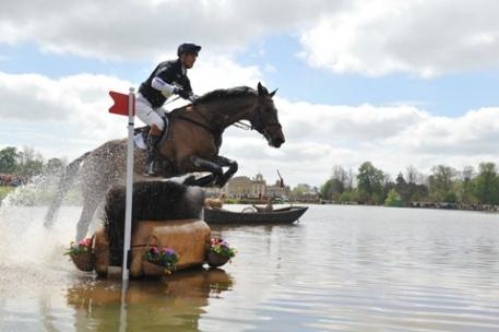 William Fox-Pitt (GBR), pictured here with Oslo at the Mitsubishi Badminton Horse Trials 2013, heads to this year's event as world Eventing number one and leader of the prestigious FEI Classics™ series. Photo: Kit Houghton/FEI.