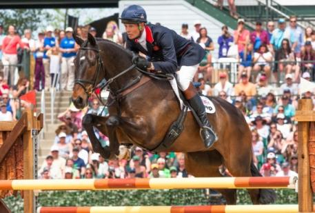 William Fox-Pitt and Bay My Hero, winners of the Rolex Kentucky Three Day Event (USA), third leg of the FEI Classics™. (Anthony Trollope/FEI)