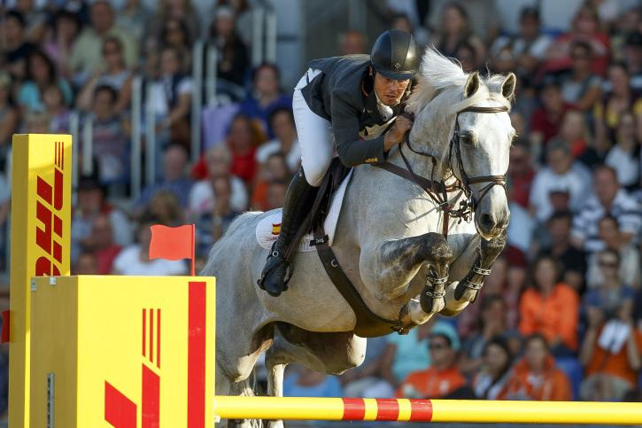 Moya Sergio Alvarez (ESP) and Carlo 273<br />(Photo: FEI/Dirk Caremans)