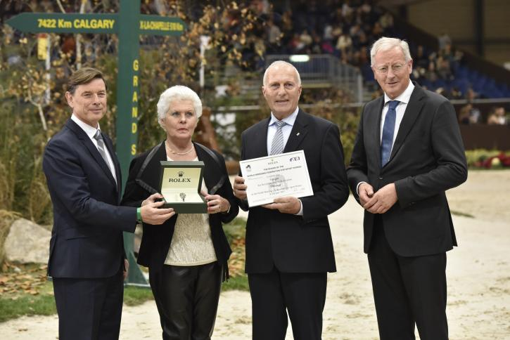 Rolex representative Laurent Delanney, Maartje and Joop Hansen and KWPN president Siem Korver. (Photo: Ridehesten.com)