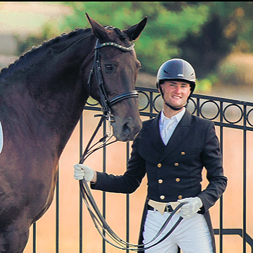 Stephen and Caroline's McConnell's Grand Prix horse Alfonso (Photo: Amanda Diefenbach Photography)