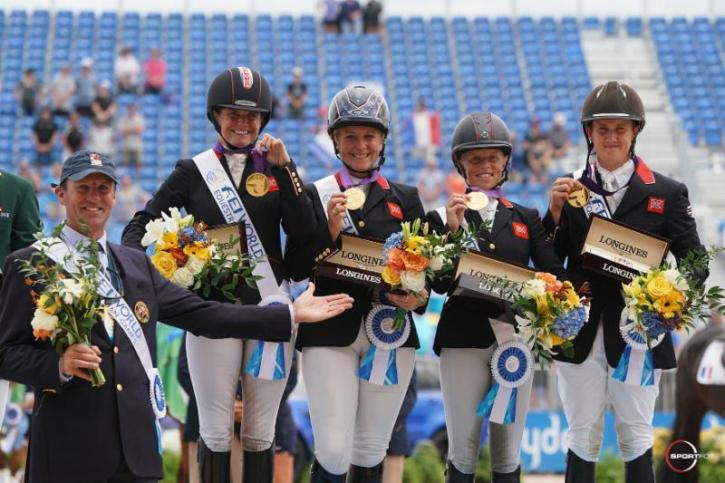 Piggy French, Gemma Tattersall, Ros Canter, and Tom McEwen with Chef d'Equipe Richard Waygood in their presentation ceremony
