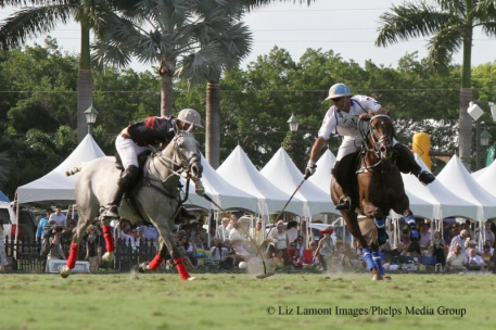 Adolfo Cambiaso (on right) breaks his mallet head on this play defended by Polito Pieres. (Photo: Liz Lamont Images)