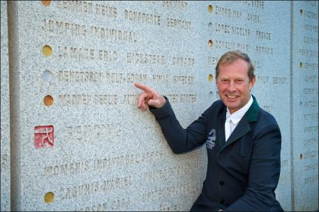 """Rolf-Göran Bengtsson visiting the """"Olympic Wall of Fame"""" at the Bird's Nest."""