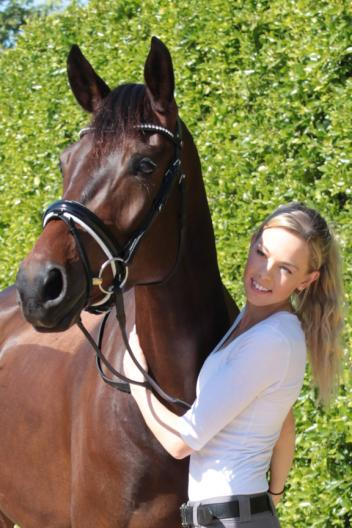 Carly Taylor-Smith with American bred Oldenburg gelding by Rosenthal, out of Legacy by Salut