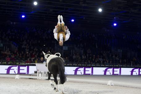 France's Clément Taillez with Dyronn and lunger Cedric Cotton won the FEI World Cup™ Vaulting second qualifier in Paris at the Salon du Cheval with marks in excess of 9 for his technical moves.