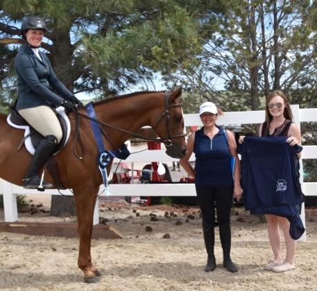 Dubrovnik, ridden by Amanda Thomas and owned by Kit McClorey and Helen Dupruis of Indian Rock Farms, LLC, won the Omega Alpha Healthy Horse Award at the Colorado Horse Park