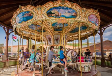 "Families can enjoy free carousel rides during each ""Saturday Night Lights"" event ©ErikOlsen"
