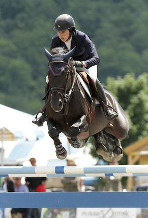 Julie Welles and Virginia W Z on their way to victory in the $30,000 Manchester & the Mountains Grand Prix on August 1 at the Vermont Summer Festival in East Dorset, VT. (Photo: David Mullinix Photography)