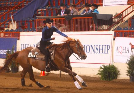 Kendall Woellmer competing at IHSA Nationals. (Photo: alcookphoto.com)
