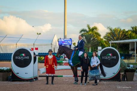 Kent Farrington and Blue Angel in their presentation ceremony with Christian Moreno alongside Jessica Leto and Kelly Molinari of Equiline