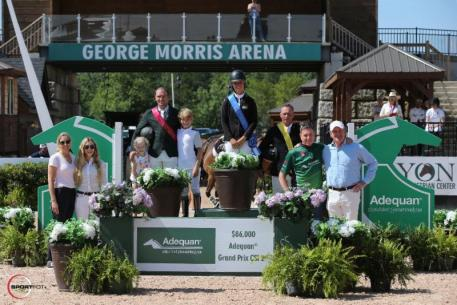 Kristen Vanderveen in her presentation ceremony with Darragh Kerins, Khloe Kerins, Daniel Kerins, Todd Minikus, alongside Katherine Bellissimo of Tryon Equestrian Partners; Paige Bellissimo; Allyn Mann, Director of Strategic Partnerships, Luitpold Animal Health; and Mark Bellissimo, managing partner of Tryon Equestrian Partners.